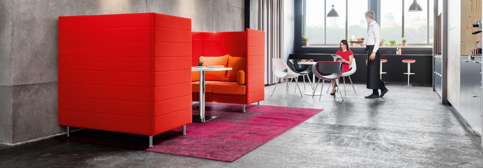 Dauphin Atelier bei office + objekt 42. Dauphin bietet Lösungen für jeden Arbeitsplatz und jede Organisationsform - mit  flexiblen, individuell gestaltbaren Zonen für die Tätigkeiten, die den modernen Arbeitsalltag prägen.